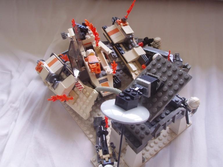 [MOC] Attack on Snowspeeder Bay by Jedd the Jedi