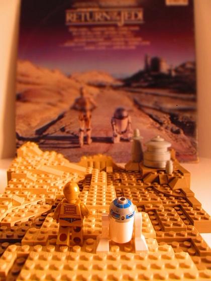 C-3PO & R2-D2 approach Jabba