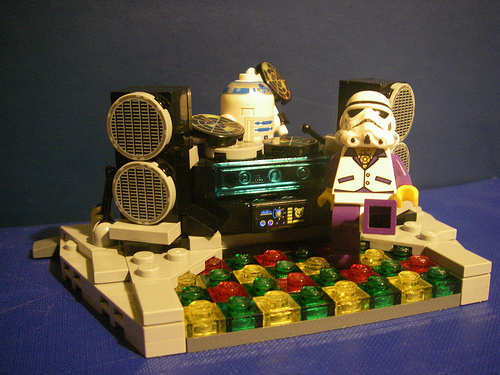 R2-DJ's Dancefloor, by Multiverse.jpg