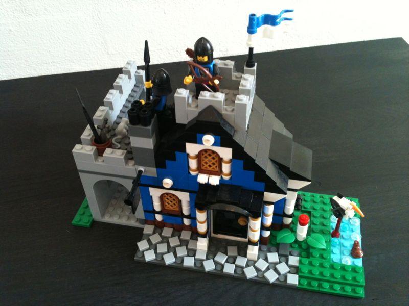Guarded Blue Inn 01.jpg