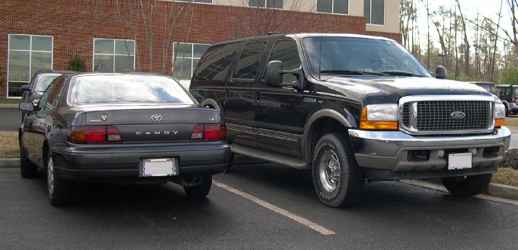 Ford_Excursion_and_Toyota_Camry.jpg
