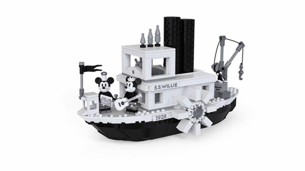 LEGO® Ideas 21317 Steamboat Willie.jpg