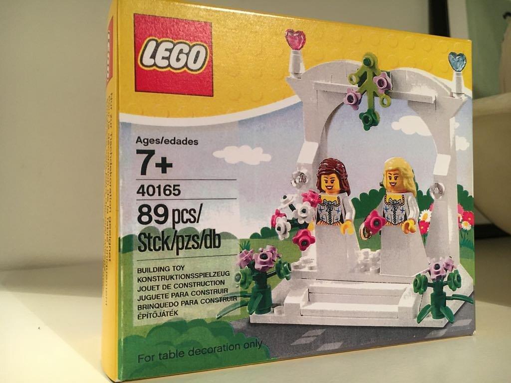 40165 Bride & Bride Wedding Favour.jpg