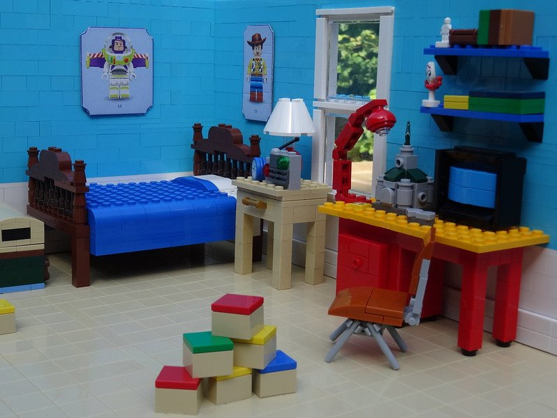 2019-07-07 - [MOC] Toy Story Andy's room.jpg